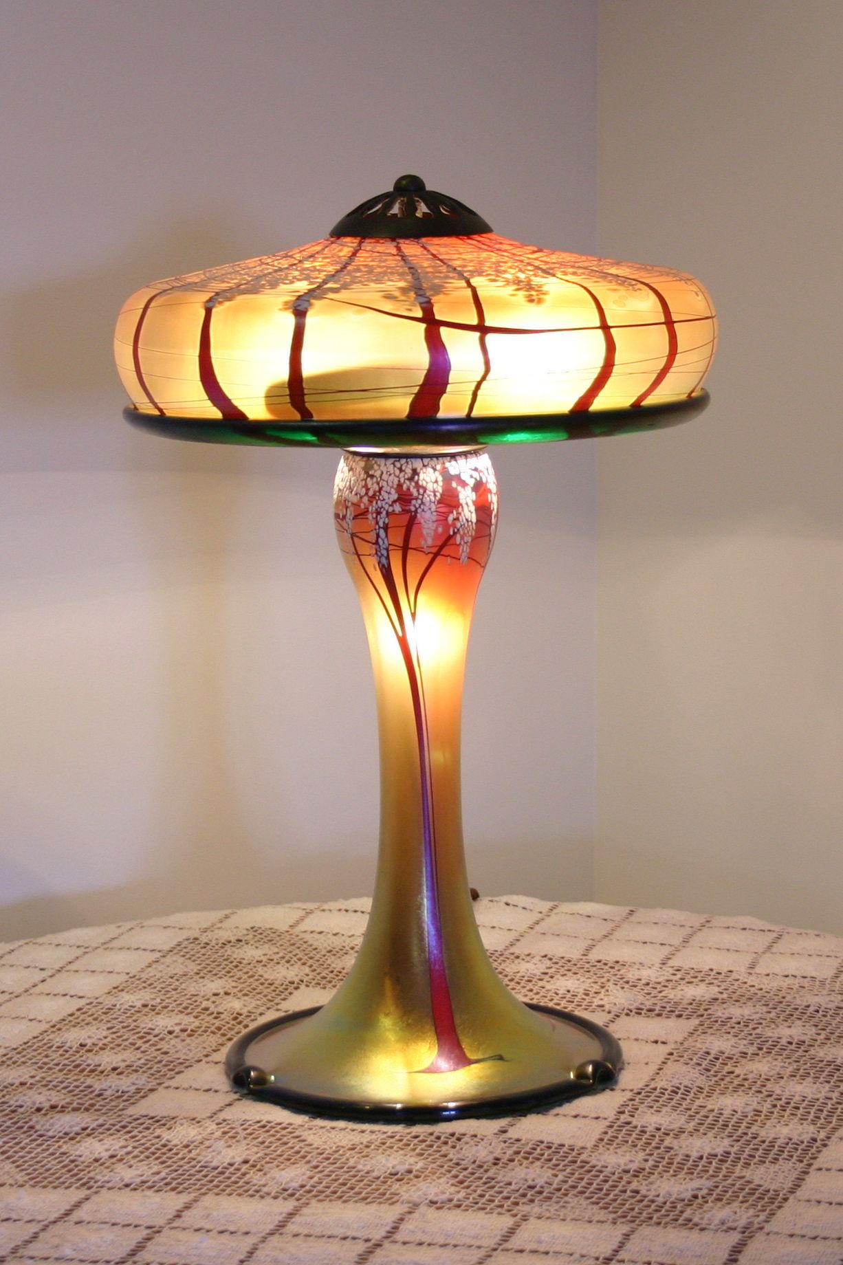 Glass Lamp Art Pin By Harvest Gold Gallery On Lamps Lighting In 2019 Tiffany