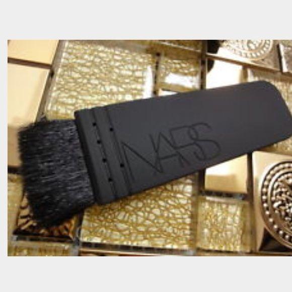 New NARS Kabuki cheek Brush Awesome NARS kabuki brush. Never used! Great gift idea. NARS Makeup Brushes & Tools
