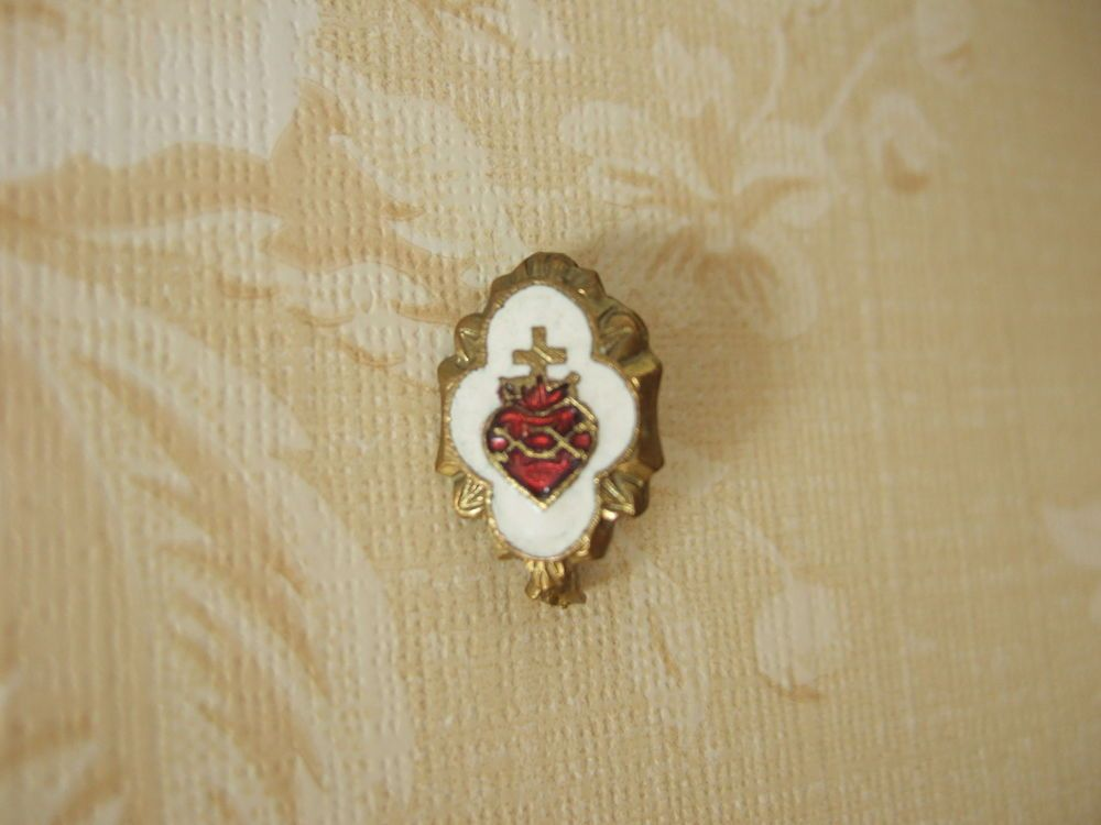 Vintage Catholic Lapel Pin Brooch SACRED HEART OF JESUS Red & White enamel