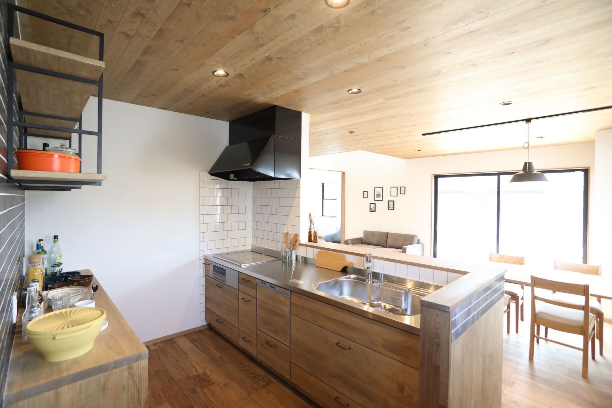 Opthome オプトホーム 木製キッチン 天井板張り オリジナルキッチン