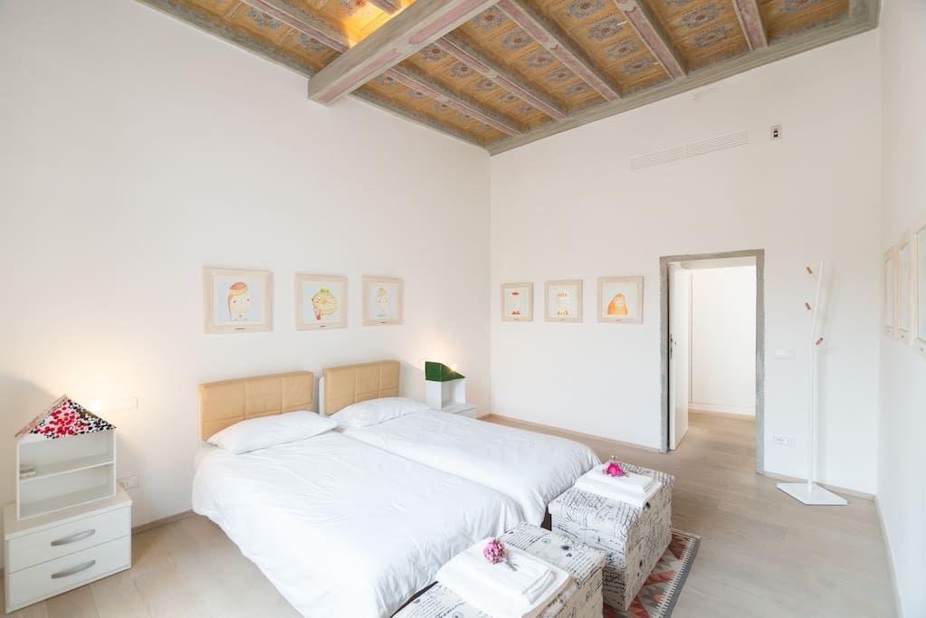 Appartamento storico firenze centro appartamenti in for Appartamenti design firenze