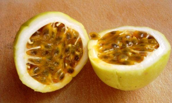 Maracuyá, passiflora edulis