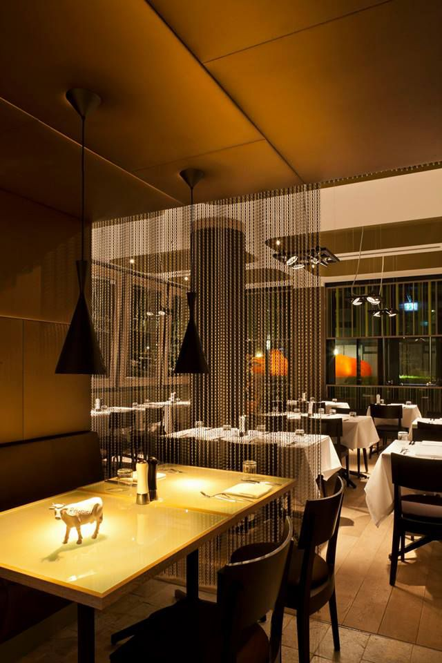 la maison de l 39 entrecote at hotel indigo alexanderplatz in berlin restaurants restaurant bar. Black Bedroom Furniture Sets. Home Design Ideas