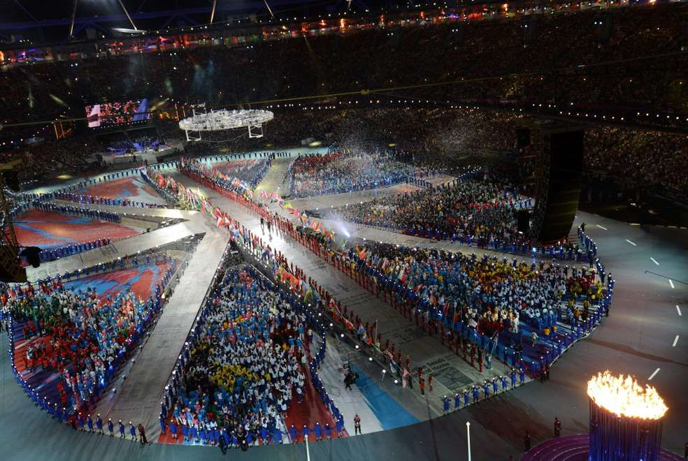 PICTURE TAKEN WITH A ROBOTIC CAMERA  General view of the closing ceremony of the 2012 London Olympic Games, at the Olympic Stadium in London, on August 12, 2012.  AFP PHOTO / FRANCOIS XAVIER MARIT