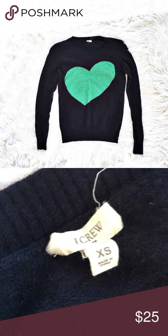 0defb4d5ab4 J. Crew crewneck heart sweater Navy blue crewneck sweater with green heart  pattern