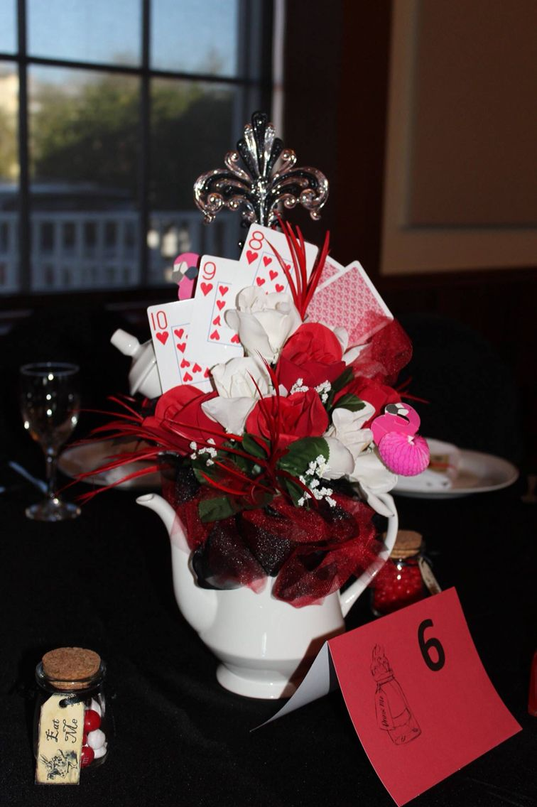 c264d3ff60c Centerpieces for Queen of Hearts Quince