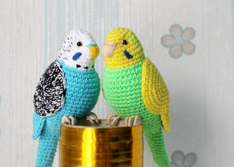 Ravelry: Amigurumi Red-and-Green Macaw/ Red Parrot pattern by ...   567x794