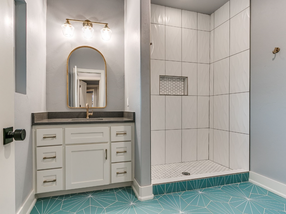 325 Ne 14th Street Oklahoma City 73104 In 2021 Bathroom Vanity Vanity Home