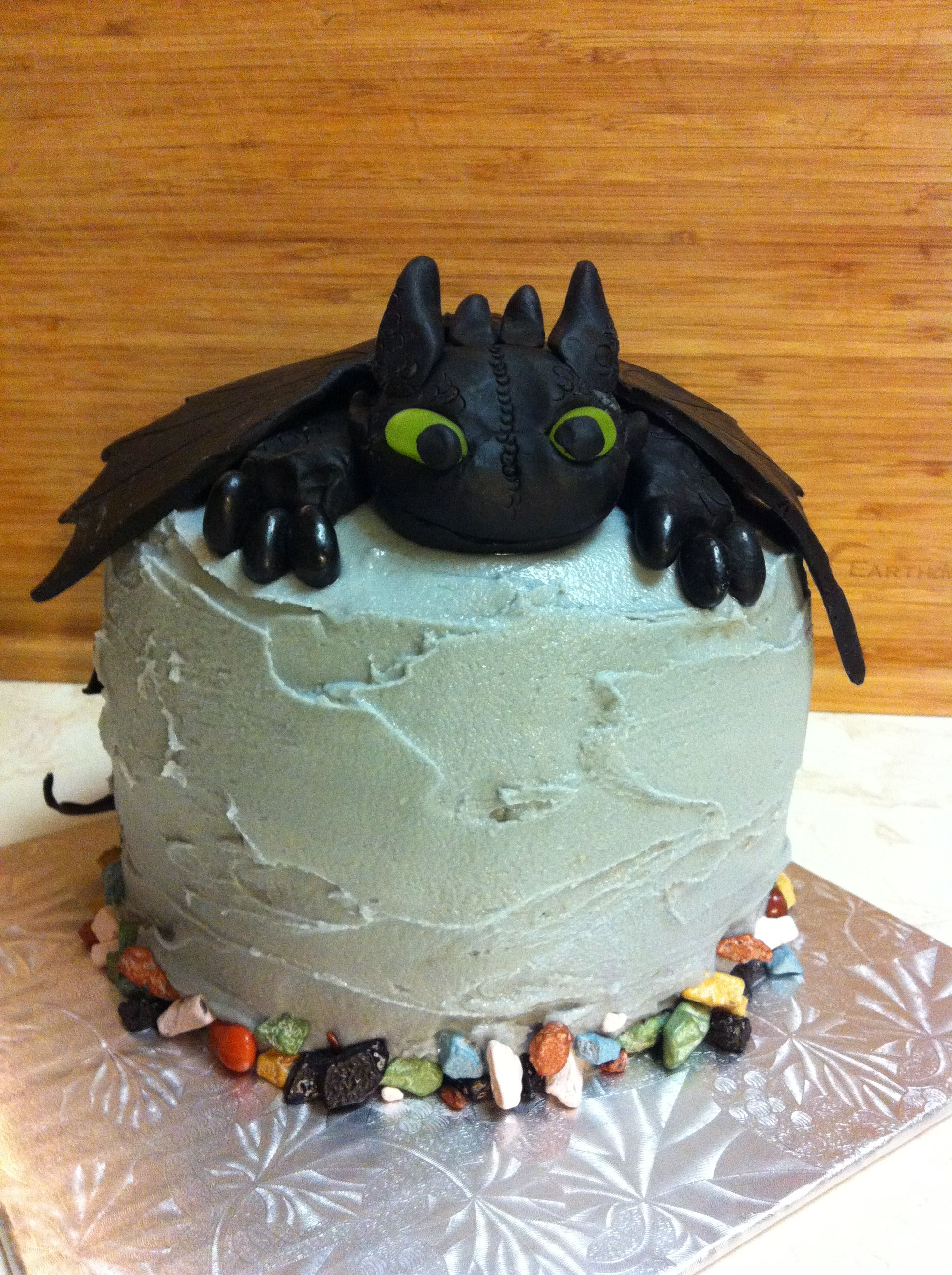 Toothless How to Train your Dragon cake