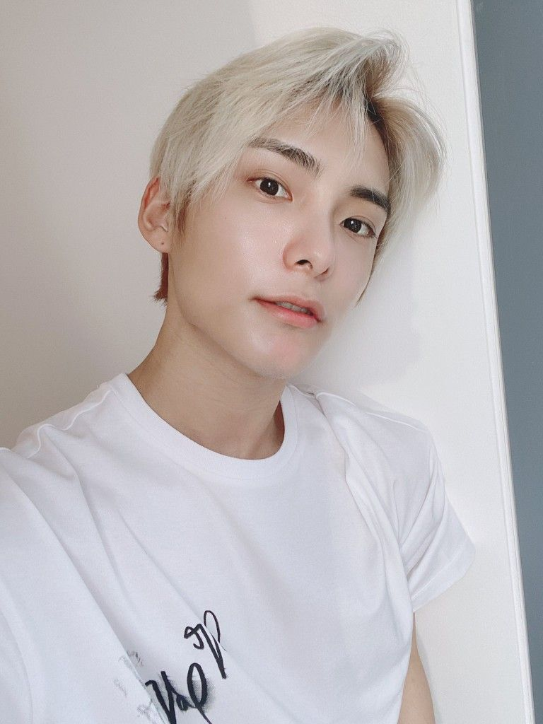 Pin by Sugabear on I'm so whipped for a.c.e   Ace, Korean ...