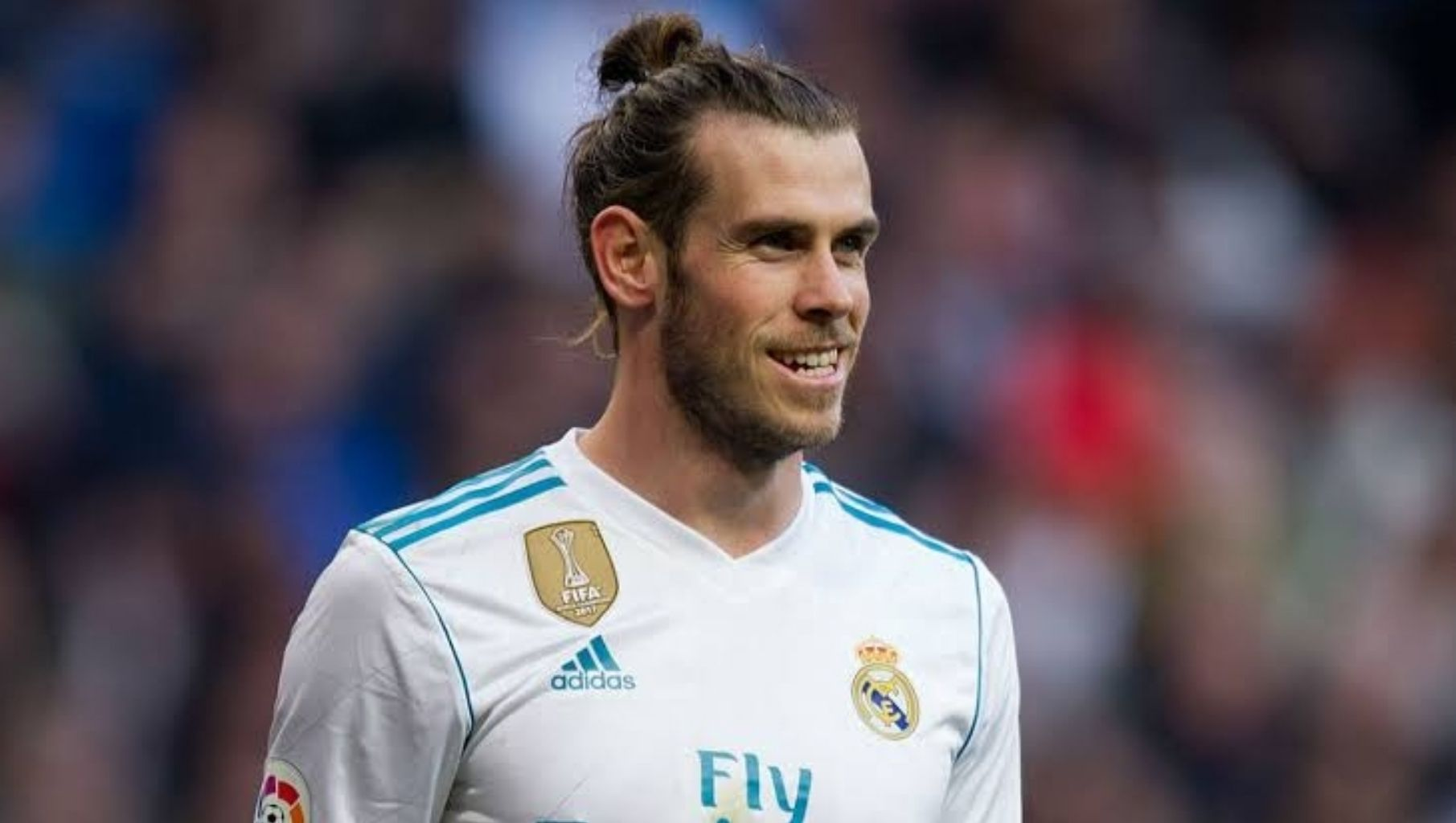 Transfer News And Rumours Bale Eye Man Utd Move With Images Gareth Bale Transfer News Ryan Giggs