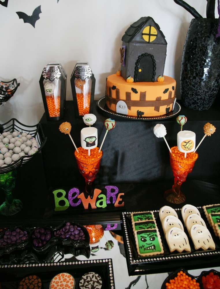 Halloween Tablescape for Kids Halloween Party Ideas Halloween - kids halloween party ideas