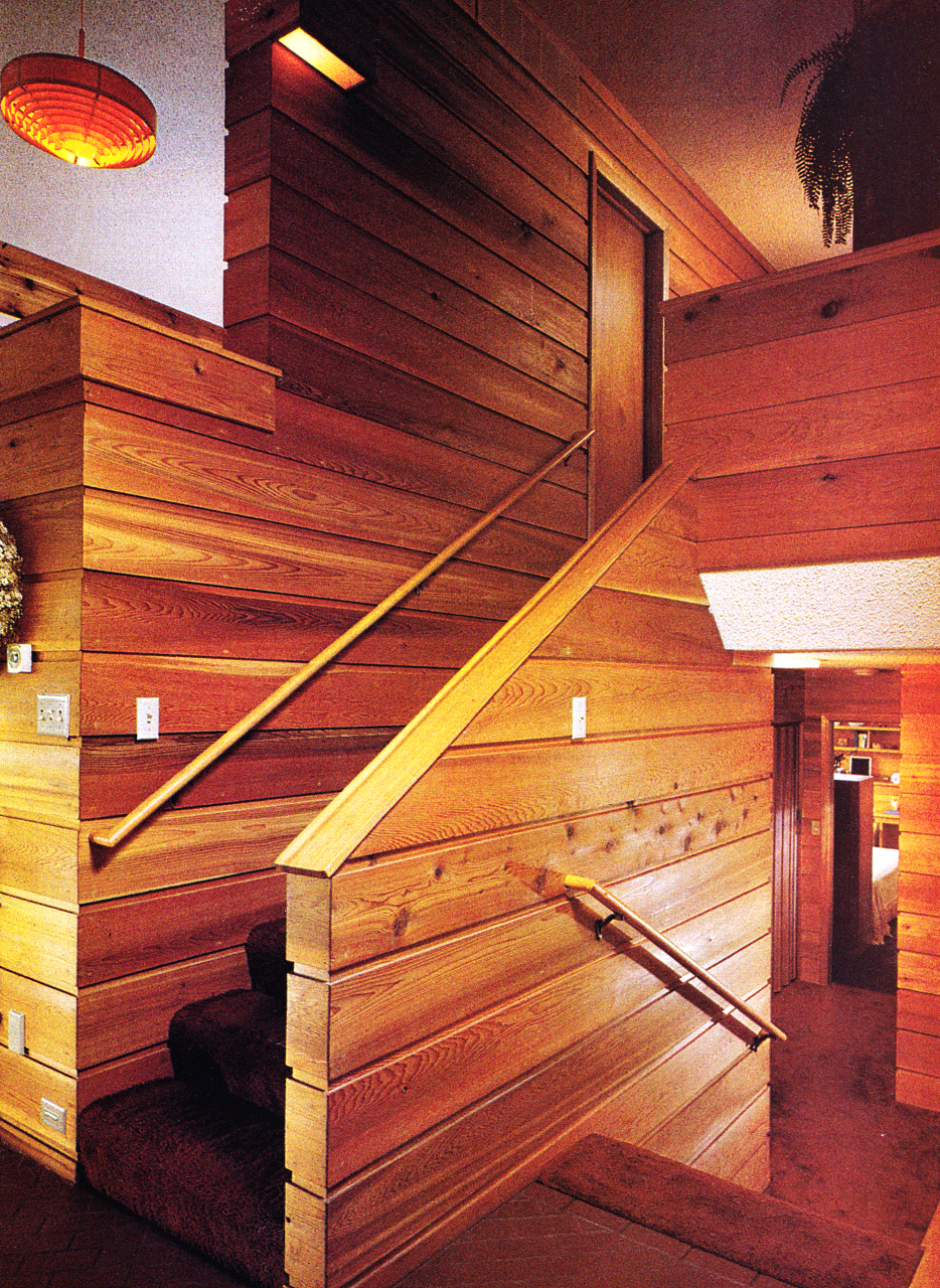 1979 Home Decor   Lots Of Wood Staircase