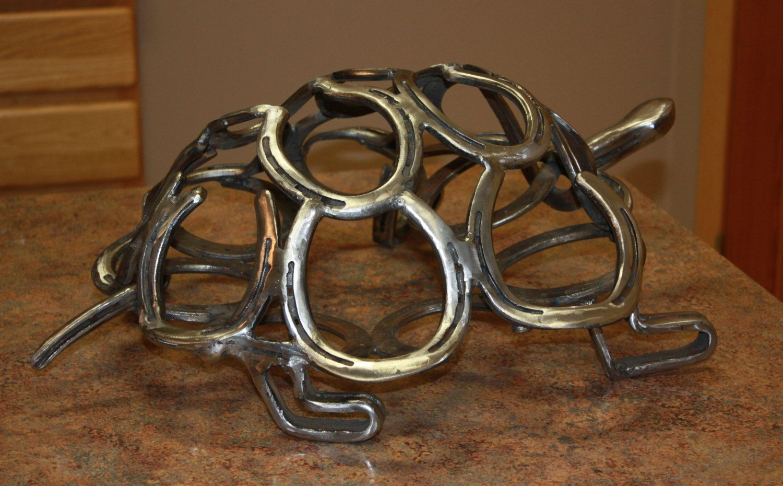 Pin By Carli Lewis On Welding Horseshoe Art Metal Art Welded Horseshoe Decor