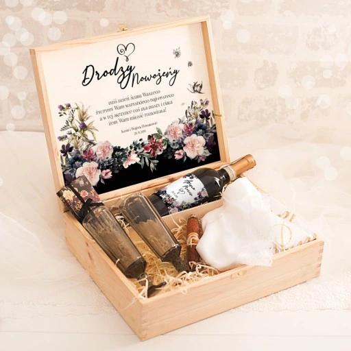 Skrzynka Prezent Dla Mlodej Pary Tajemniczy Ogrod Gifts Wedding Decoupage