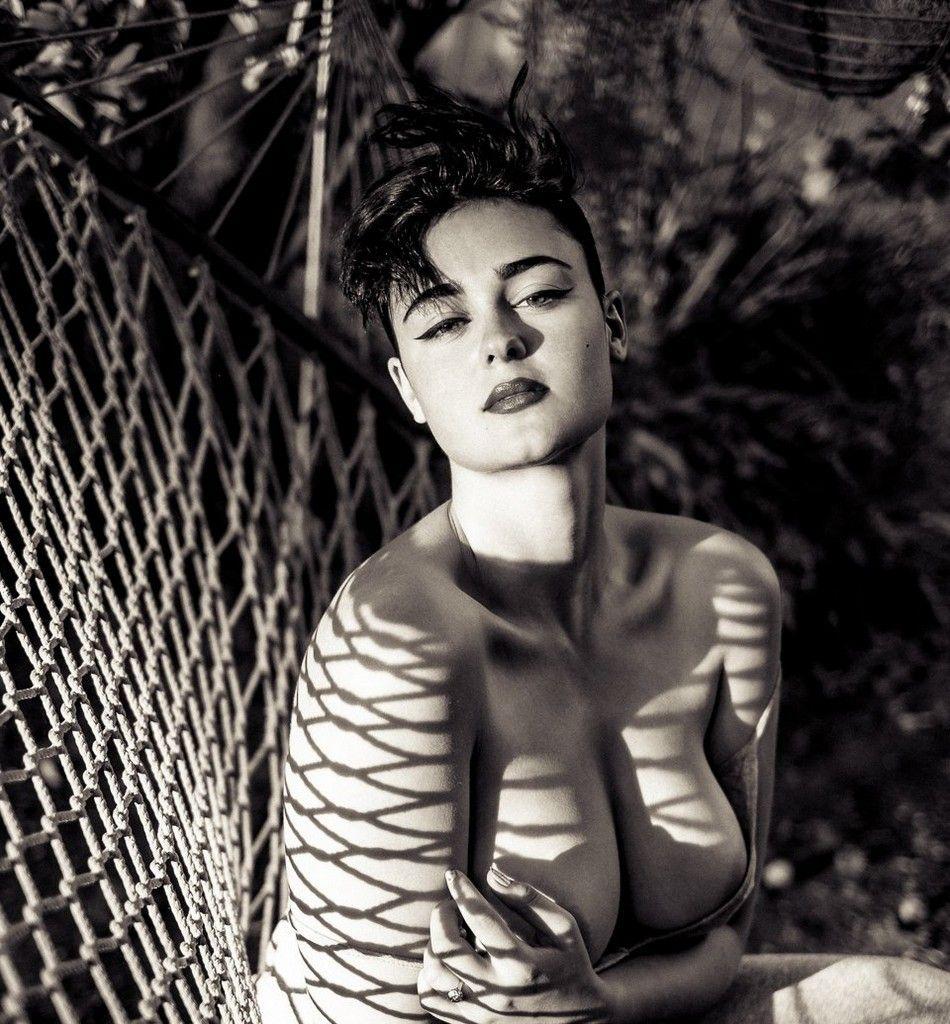 Stefania Ferrario Naked | BODY/LIGHT | Pinterest | Naked