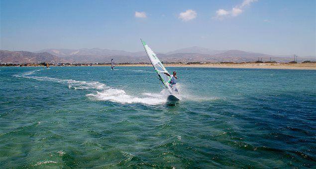 Naxos - Surf Club | Naxos.gr