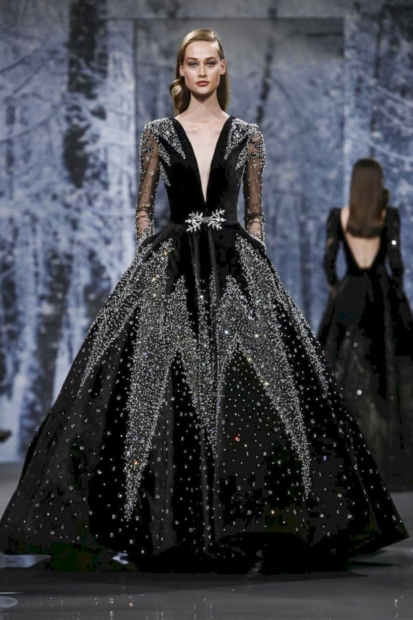 nice 18 Vintage Winter Wedding Dress Ideas 18 https