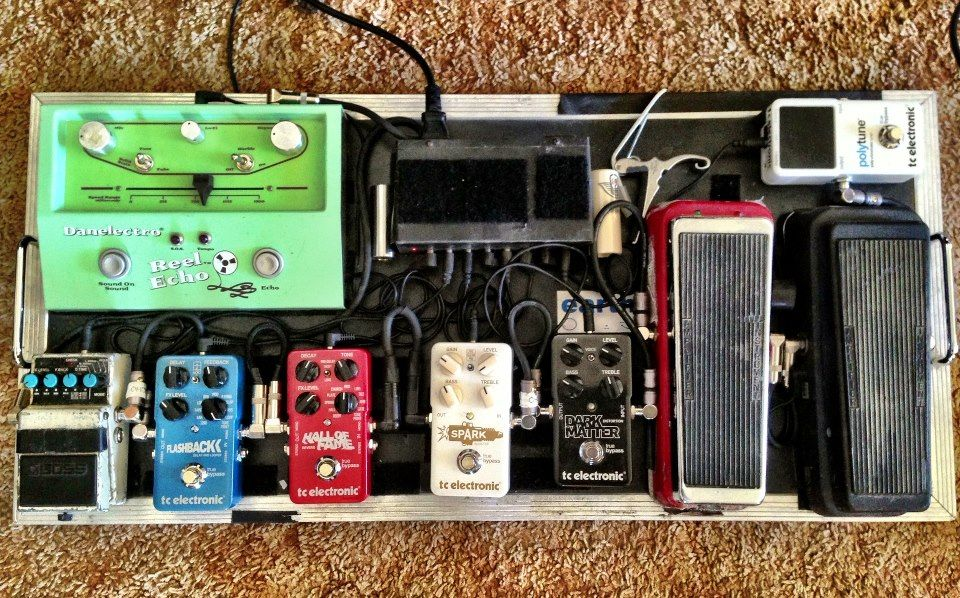 pedal board breakdown dave catching pedal boards pedalboard guitar pedals vintage. Black Bedroom Furniture Sets. Home Design Ideas