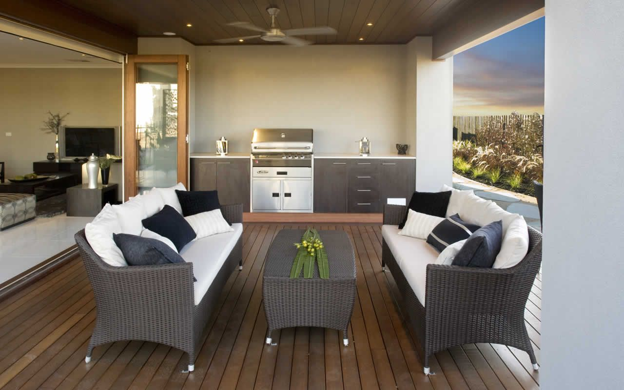 couches rather than table and chairs? | Outdoor rooms ... on Indoor Outdoor Entertaining Areas id=52189