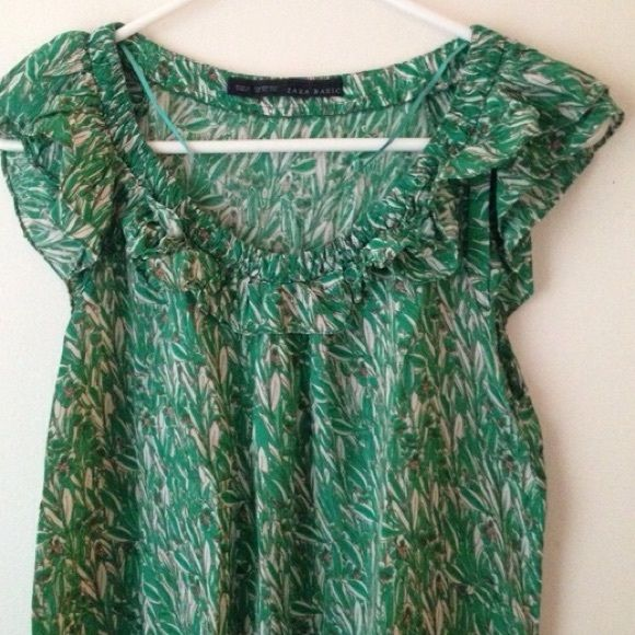 """bamboo print top - excellent condition, pullover, ruffle neckline, elasticized hem, butterfly sleeves, soft fabric, 100% viscose, measurements: laid flat, relaxed; length-21.5"""", chest-32"""", waist-33"""", no filter is used, perfect spring/summer wear paired with shorts or skirt, ( Note: can't model the item ) Zara Tops Blouses"""