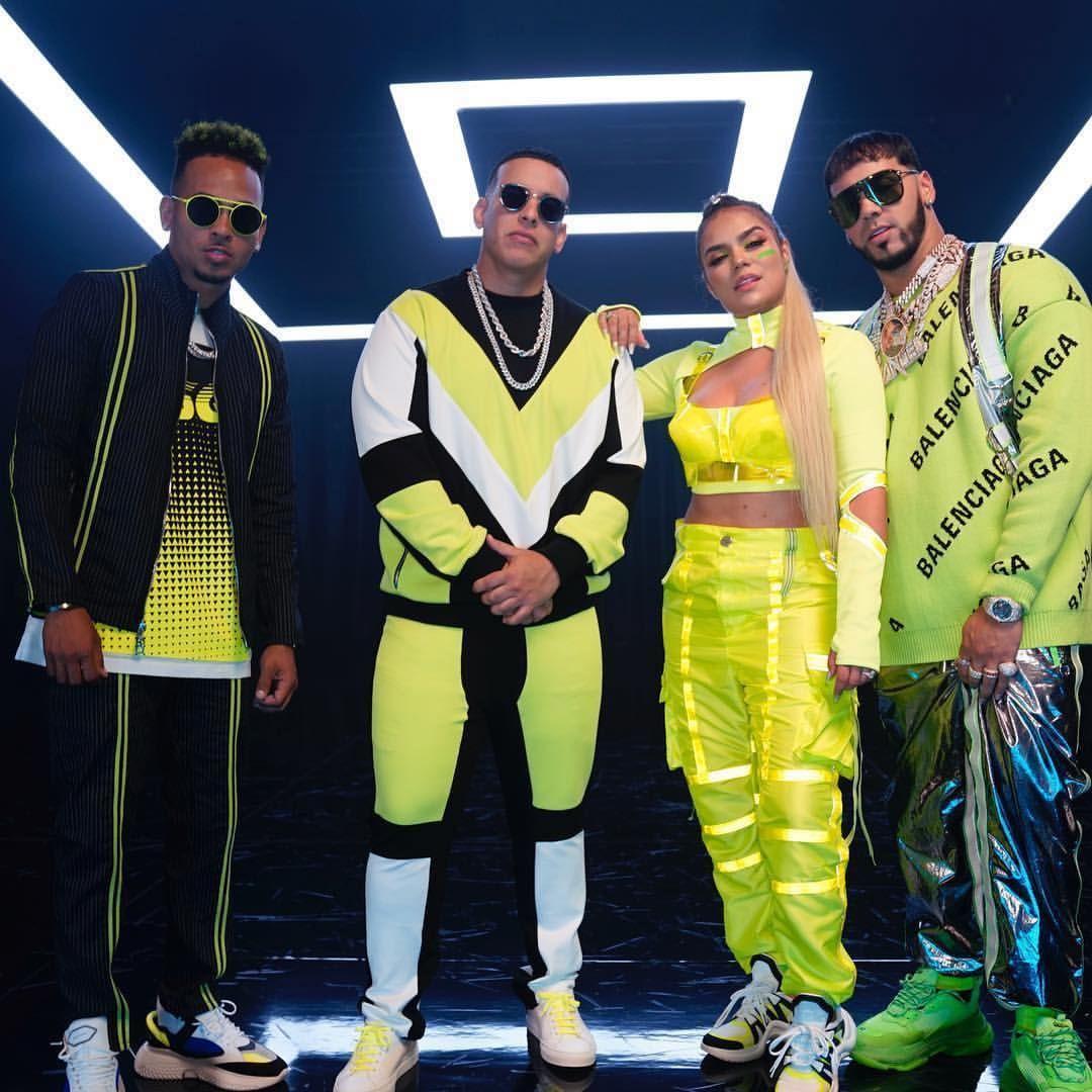 Daddy Yankee Es Criticado Por Reciente Foto Junto A Karol G Y Anuel Aa Daddy Yankee Imagenes De Cantantes Artistas De Reggaeton