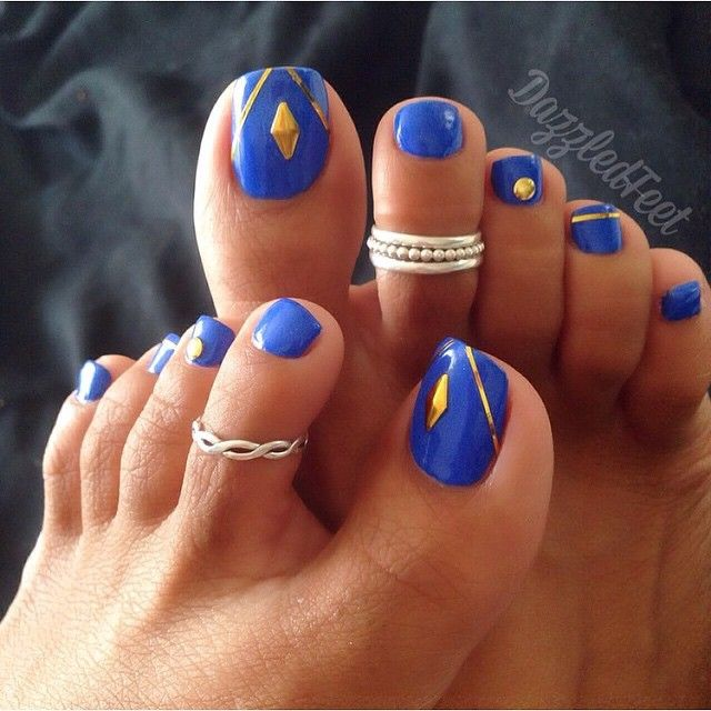 Pretty blue toe nail art design | pedicure nail art | Feet ...