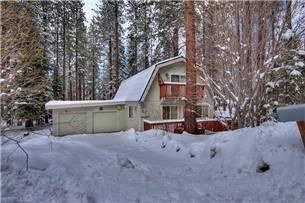 """South Lake Tahoe, CA: *NEWLY REMODELED!!* """"Heavenly Cabin"""" is located on the south shore of Lake Tahoe just across the street from the California Base Lodge of Heavenly. It..."""
