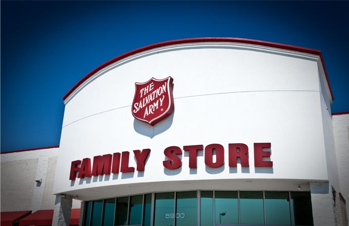 Previous Pinner Says Donate Goods To The Salvation Army Better Than Goodwill Because Ceo Takes A Very Salvation Army Thrift Store Salvation Army Army Family