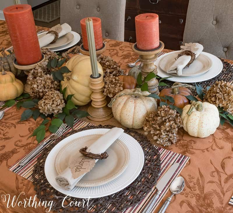 Gorgeous Ideas For Thanksgiving Table Decorations #thanksgivingtablesettings