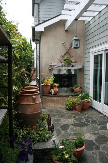 Porch and patio ideas relax in style side yards for Small outdoor space ideas