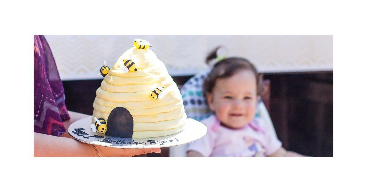 Bumblebee-Themed Party | POPSUGAR Moms