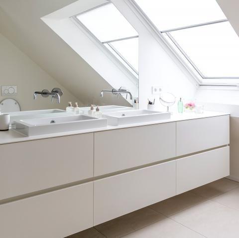 Haus Des Jahres 2016 Minimalistisches Satteldachhaus Badezimmer Wohnung Badezimmer Haus Schoner Wohnen