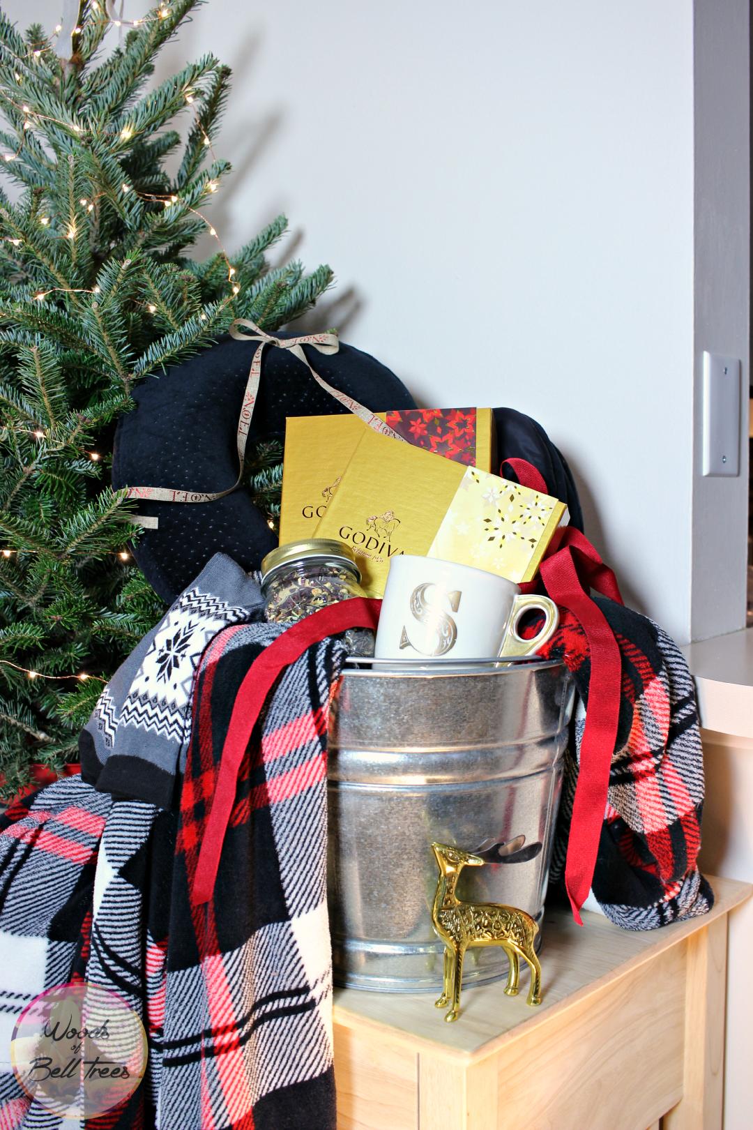 gift-giving-christmas-godiva-basket-reading-men-women-guide-holiday ...