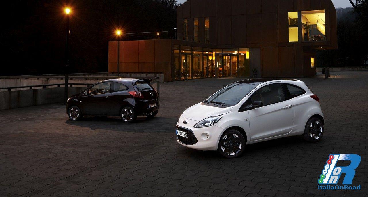 Ford Celebra La Moda Elegante E Senza Tempo Del Bianco E Nero
