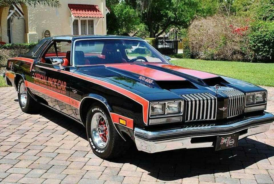What should have been the 1977 indy 500 pace car a