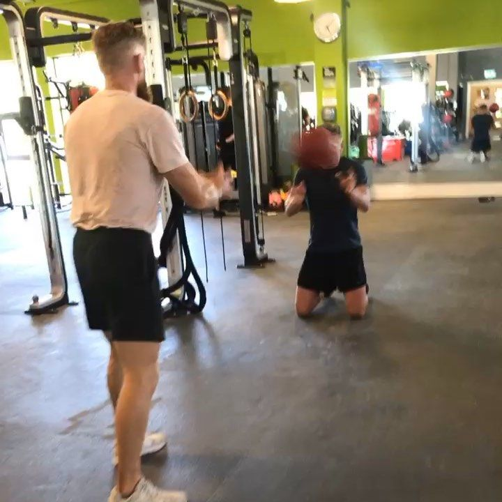 Hurricane training (boxing specific) and a Bulgarian bag finisher ...! playing with heart rates and...
