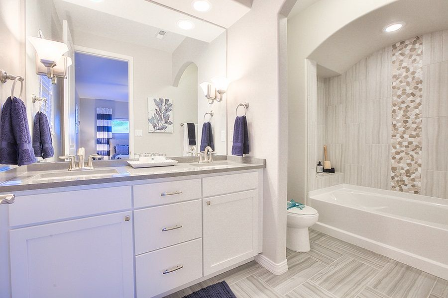 Our Recommendations For Traditional Bathrooms: #Traditional #Thursday Features Bathroom Shot Of The