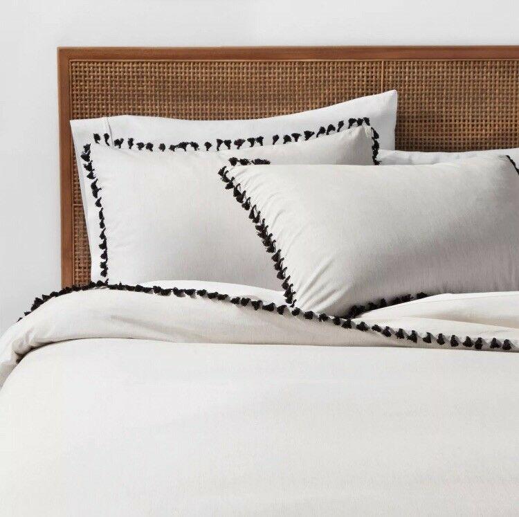 Pin By Muneera Alhowimel On Bedrooms Duvet Cover Sets Duvet Duvet Cover Master Bedroom