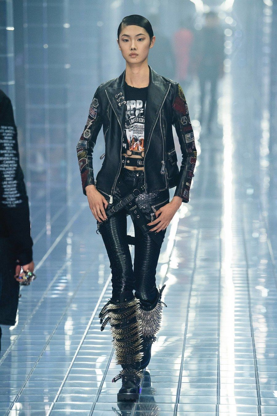 c899a5b114 Philipp Plein Spring 2019 Ready-to-Wear collection, runway looks, beauty,  models, and reviews.