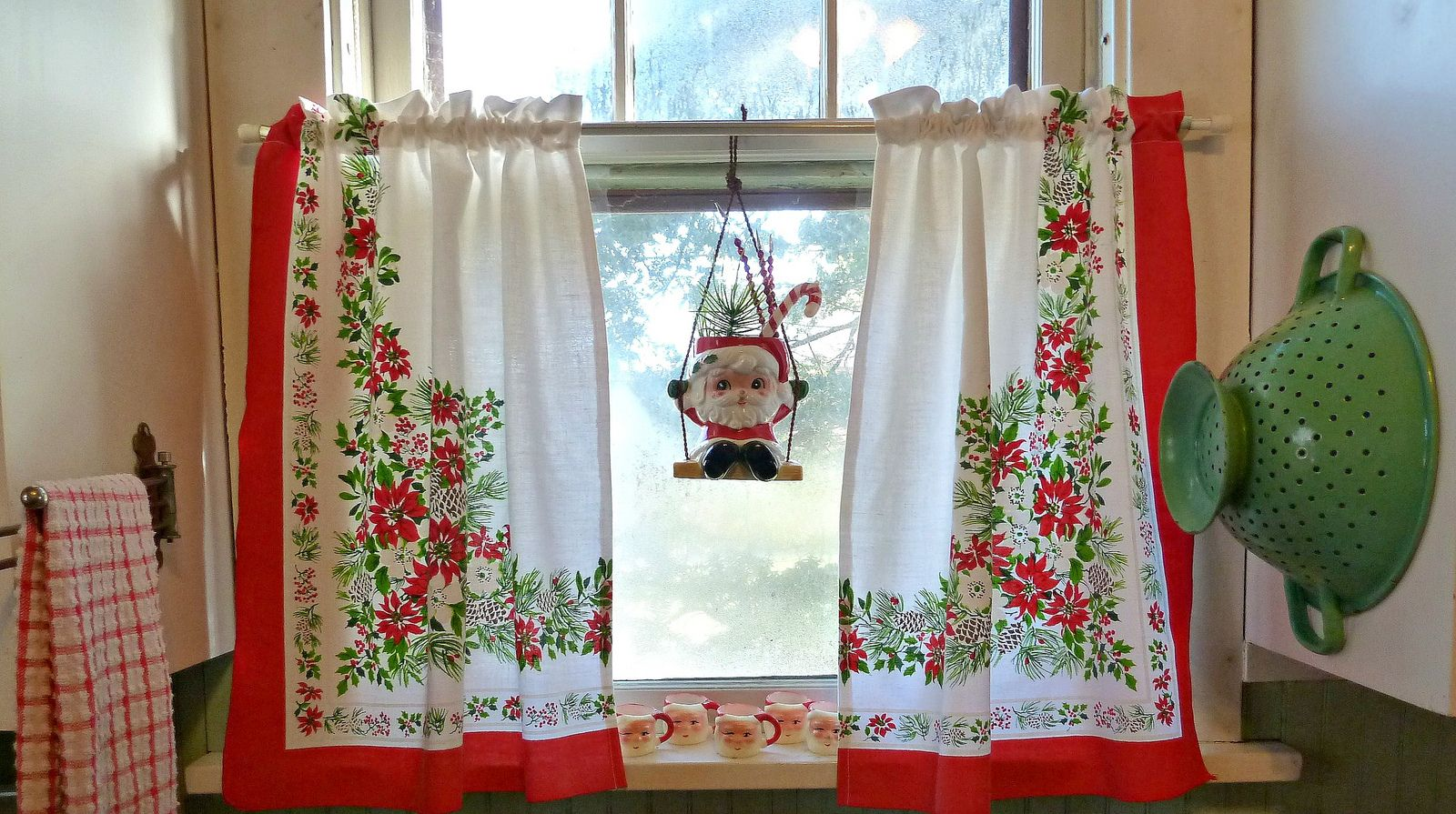 Vintage christmas tablecloth turned kitchen curtains from old glory cottage