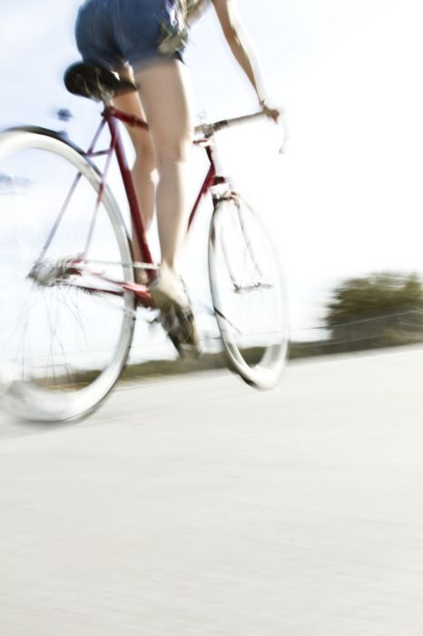 etoystk:    Chicks and Bikes