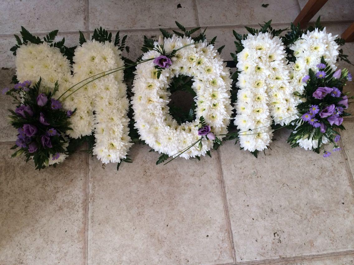 Mom Funeral Flower Letter Tribute Funeral Ideas Pinterest