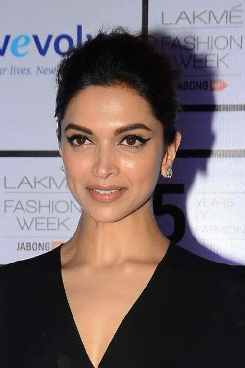 Deepika Padukone makeup / cat eye/ natural | Deepika ...