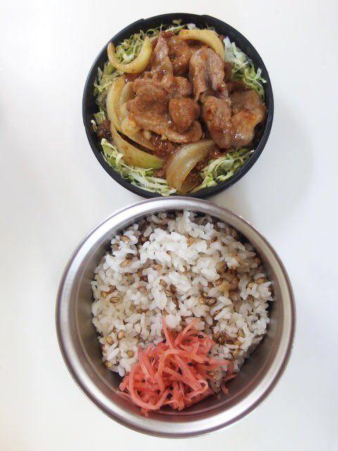 posted by @teruteru0526 お昼ヽ(8)ノ 生姜焼き 20161219 Lunch  #bento...