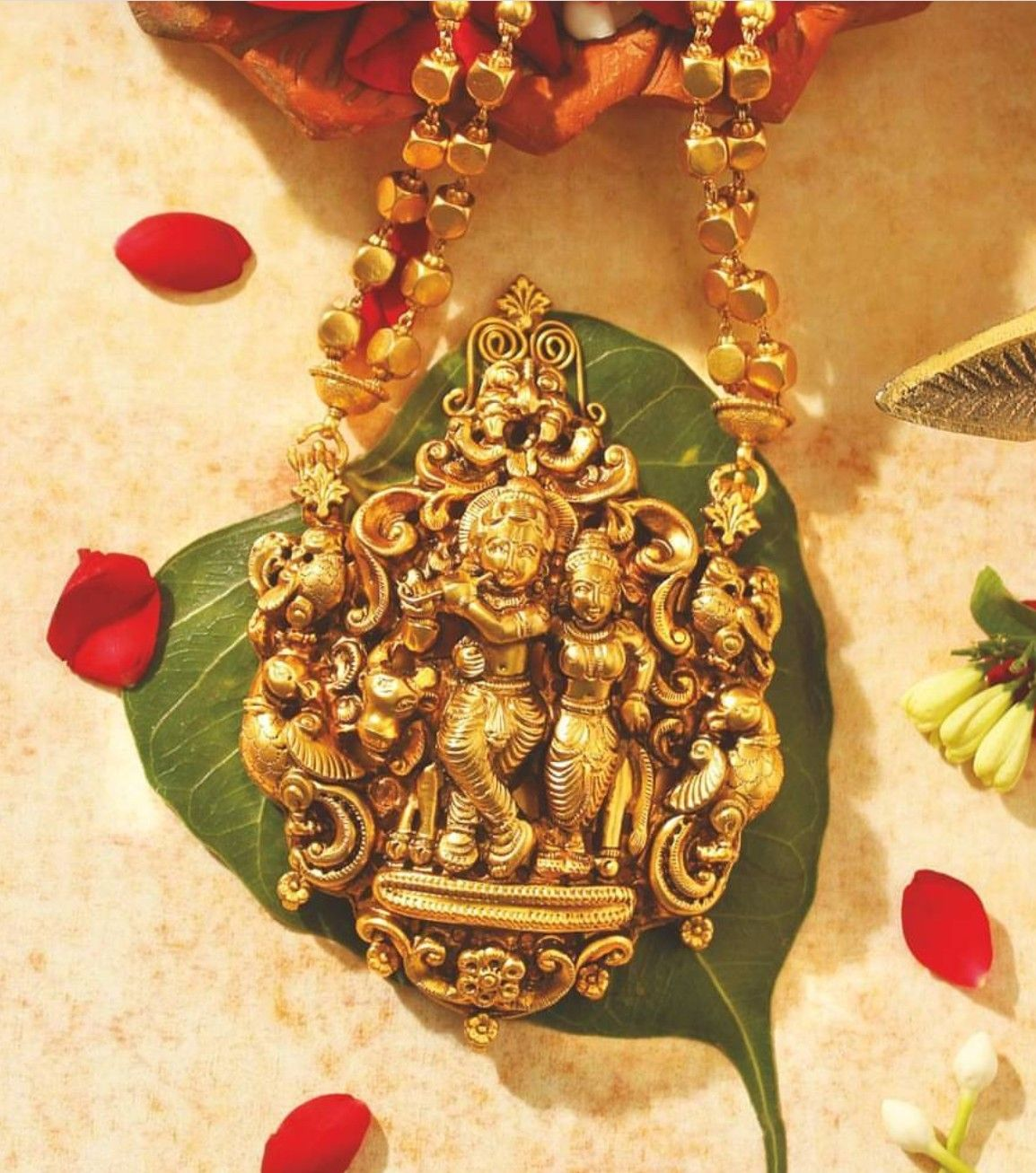 Pin by winnie on south indian jewellery pinterest south indian