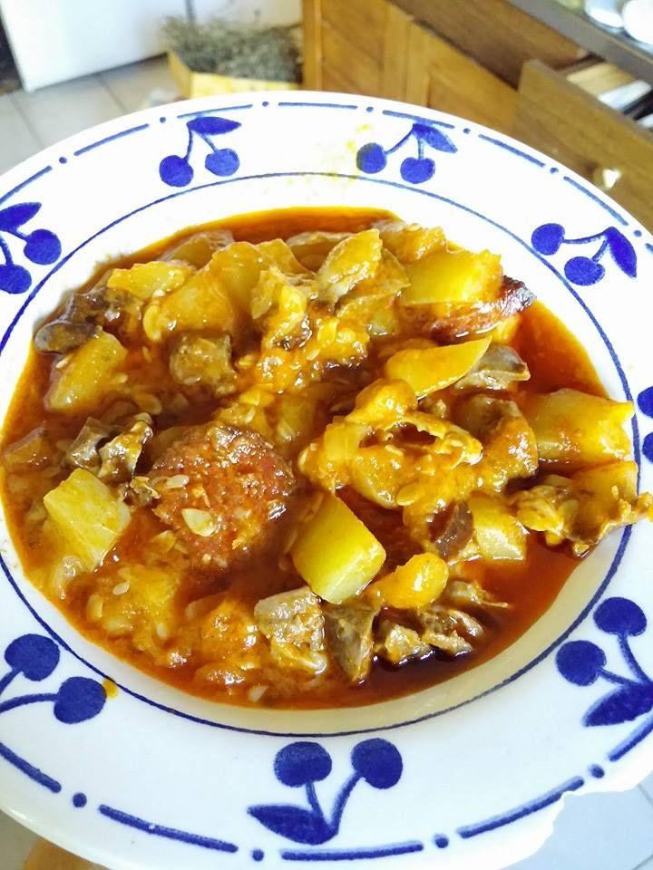 Paprikáskrumpli főzőtökből - tökpaprikás (főzőtök, házi sütőkolbász, paprika, ...)