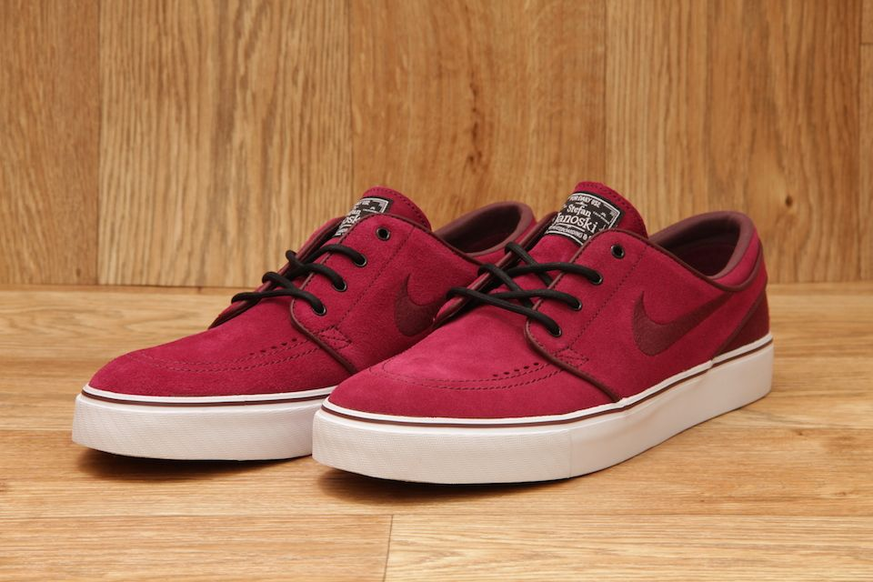 620c15cdb2f2 NIKE SB STEFAN JANOSKI RED OXIDE   BLACK GUM   LIGHT BROWN £64.95 ...