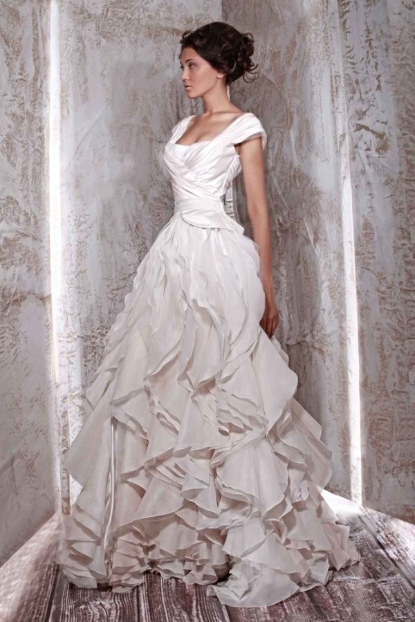 TONY WARD - not how I imagine my wedding gown to be one day (not the ...