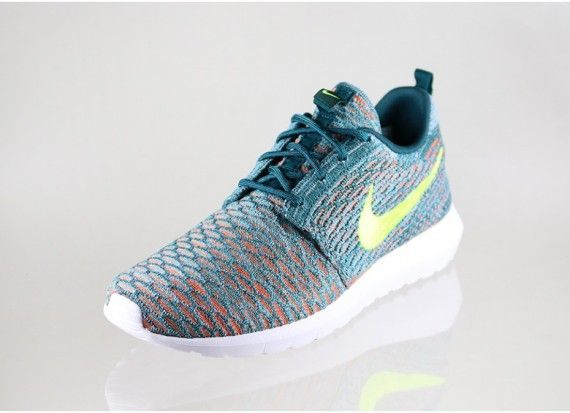 official photos 75ba1 6256c Nike Flyknit Roshe Run - Mineral Teal - Volt - Hyper Jade - SneakerNews.com